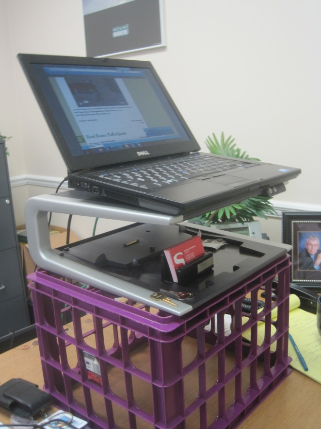 desk 001
